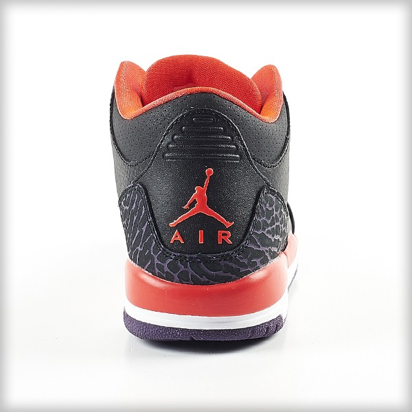 Sneaker-Nike-Air-jordan-retro-III-crimson-Black