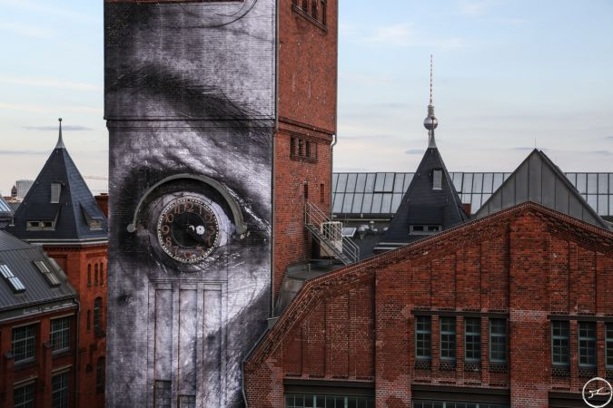 JR - The Wrinkles of the city takes over berlin - 2013