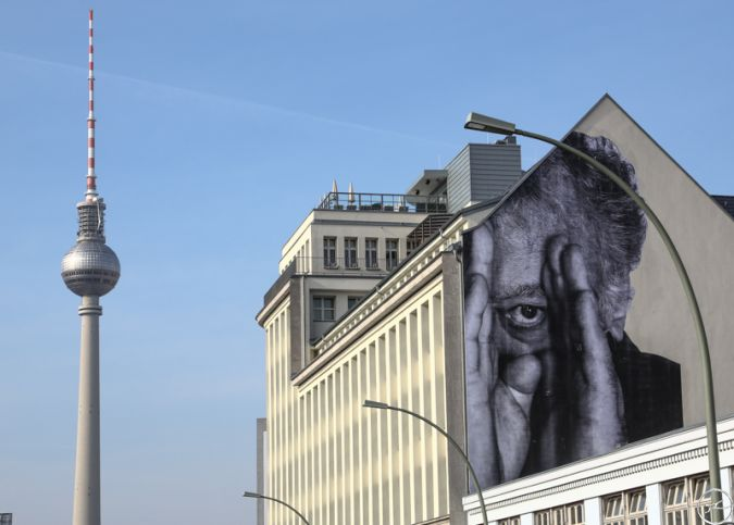 JR - The Wrinkles of the city takes over berlin 2013
