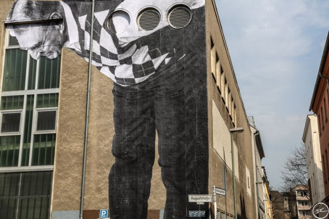 JR - The Wrinkles of the city takes over berlin - April 2013