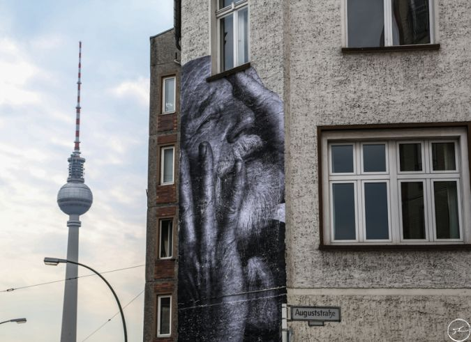 JR - The Wrinkles of the city takes over berlin