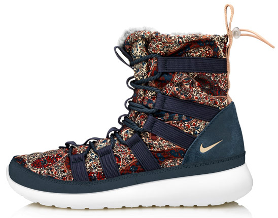 Navy Bourton Liberty Print Roshe Run Sherpa sneakerboots