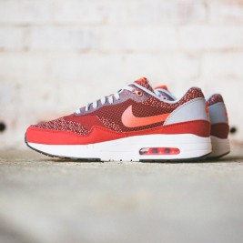 Nike-Air-Max-1-Jacquard-Laser-Crimson-958x640