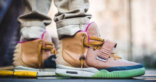 nike-ar-yeezy-2-net-customs-maggi