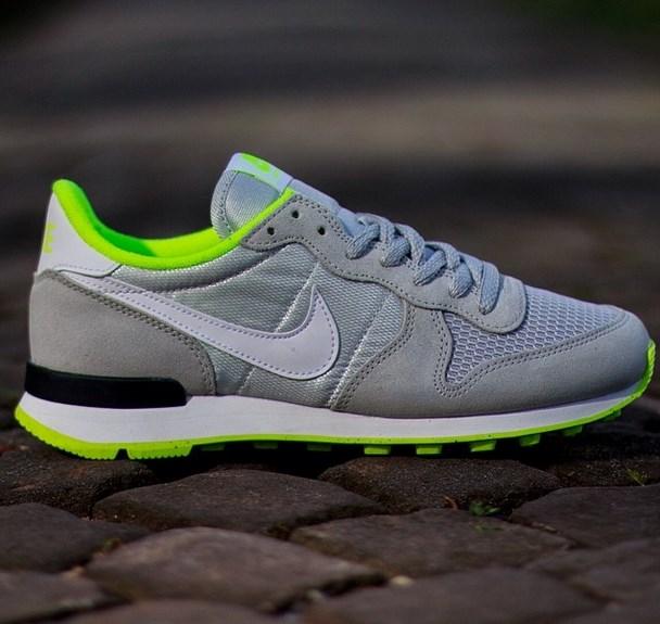 Nike Air Internationalist Wmns Light Ash Grey