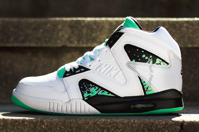 Nike Air Tech Challenge Hybrid QS Green Glow