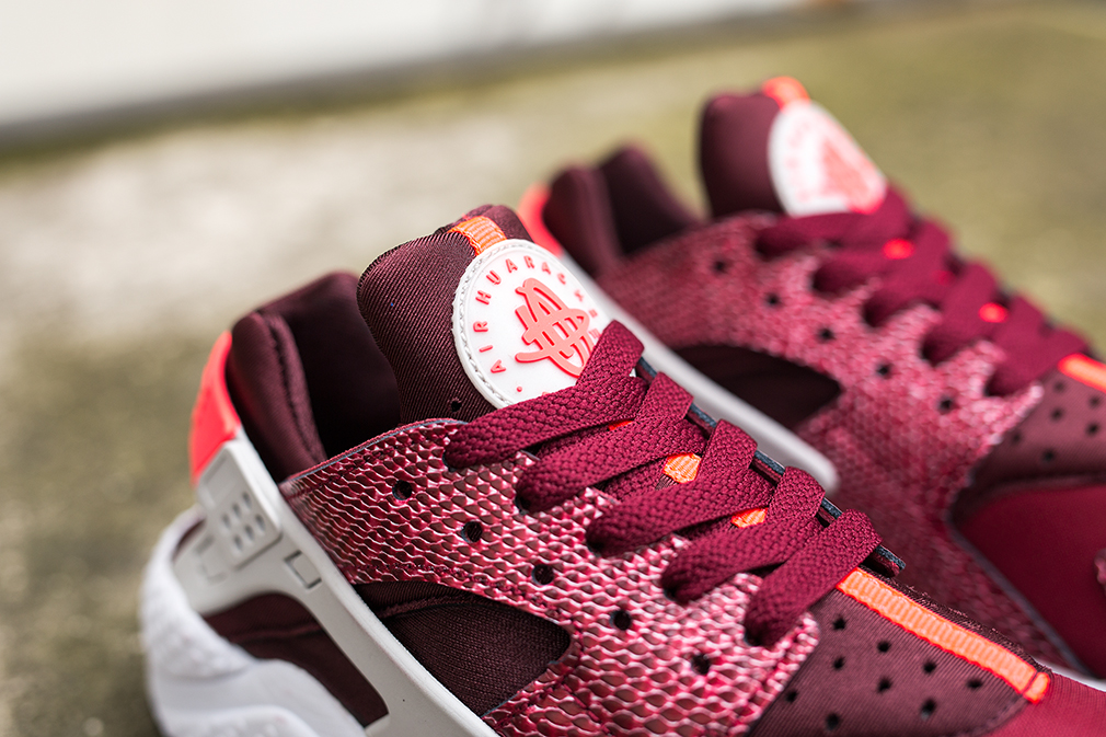 Nike Air Huarache Burgundy