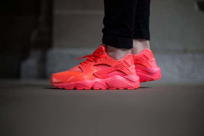 "Nike Air Huarache Run Prm ""Hot Lava"""