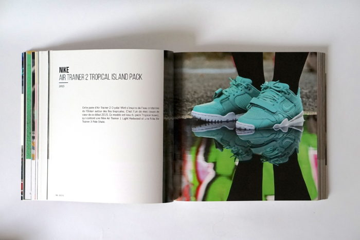 Book-Sneakers-UglyMely
