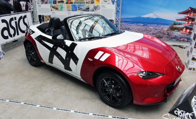 Mazda MX5 Asics Koi - Sneakerness Paris 2015