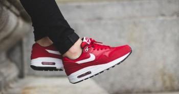 Nike-Air-Max-1-GS-Gym-Red-White-560x373