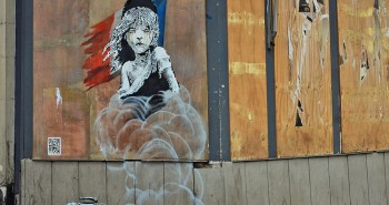 Banksy-Londres-Ambassade-France-Migrants-Calais