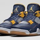 AIR JORDAN 4 RETRO DUNK FROM ABOVEAIR JORDAN 4 RETRO DUNK FROM ABOVE