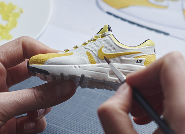 Miniature Nike Air Max Zero Yellow - Mini Sneakers Collectible