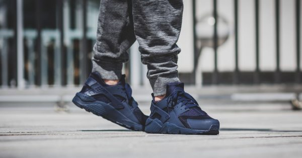 nike-air-huarache-midnight-navy-318429-440