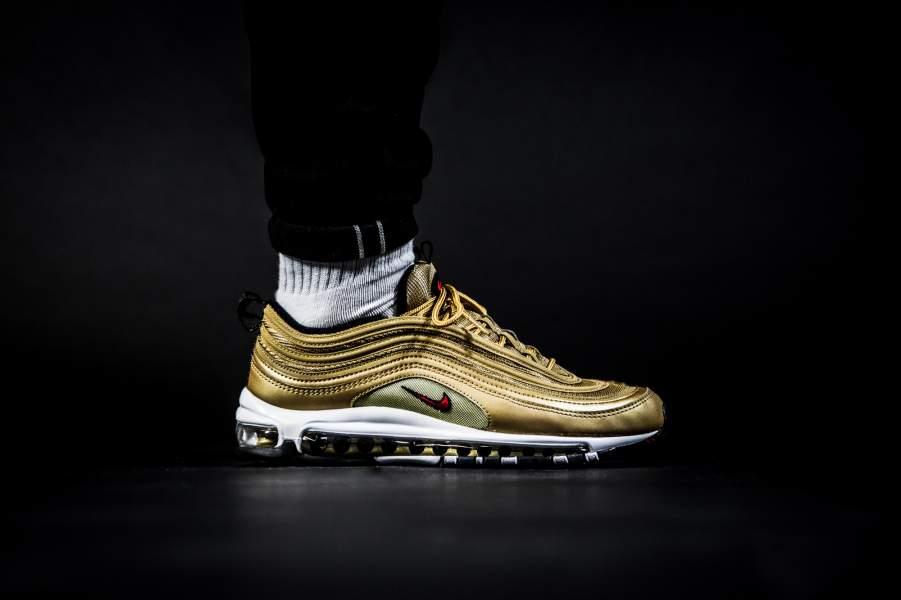 ... Zero et Air Max Jewell sortira le jeudi 18 mai sur Nike.com et chez un grand nombre de revendeur européens tel Afew Store & 43einhalb.