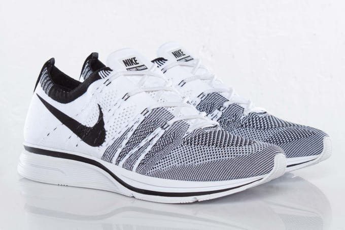 Nike Flyknit Trainer Pale Grey/Black-White