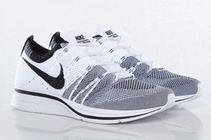 Nike Flyknit Trainer Pale Grey/Black-White