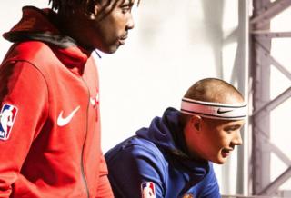 Kobe Bryant débarque à Paris au gymnase Jean-Jaurès