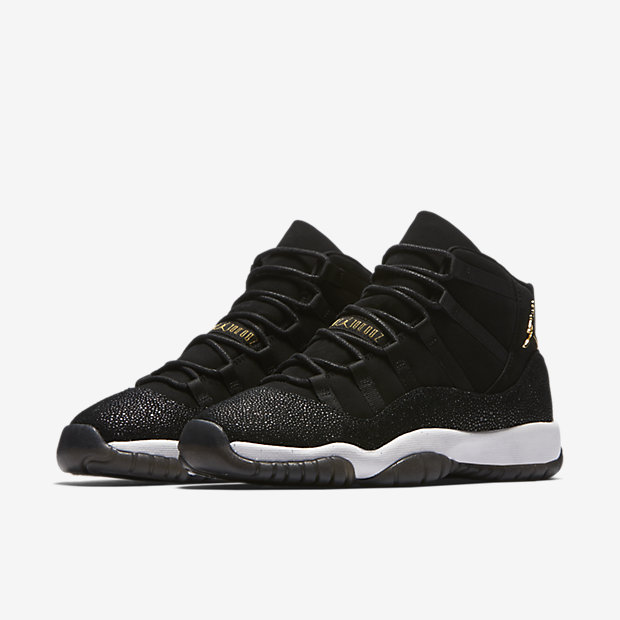 "AIR JORDAN 11 ""HEIRESS"" - code : 852625-030"