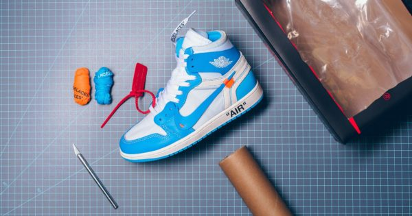 Air_jordan_1_x_Off_White_NRG_White_Dark_Powder_Blue_Cone_AQ0818-148_sneaker_politics_2048x2048