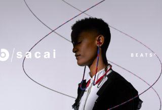 Beats by Dre et SACAI dévoilent des écouteurs avec un design perlé