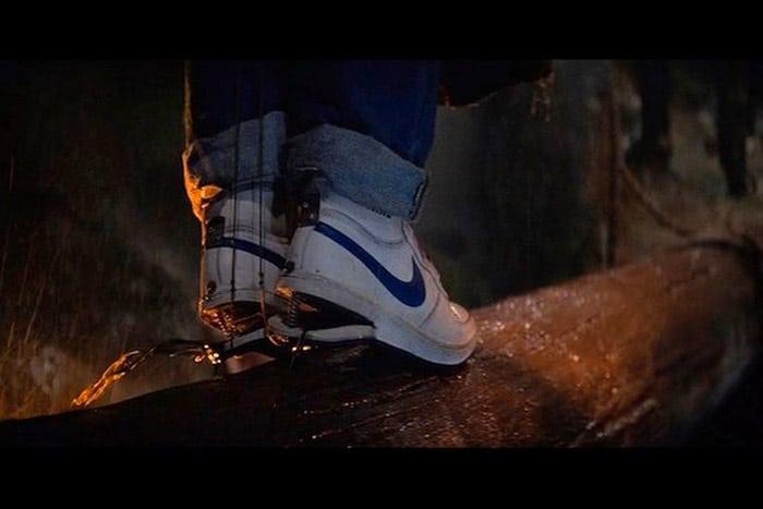 Les Basket Nike Sky Force Hi modifiées par Data dans le Film The Goonies